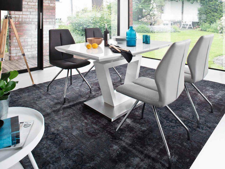stół do niedużego mieszkania